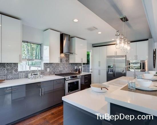 3521f3e706a6bf4e_8099-w550-h440-b0-p0--modern-kitchen
