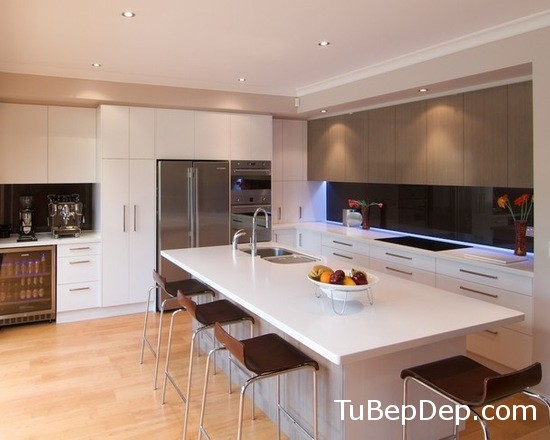 93b1dd00052e4046_9617-w550-h440-b0-p0--modern-kitchen