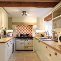 Simple-Kitchen-Design-for-Small-House-10
