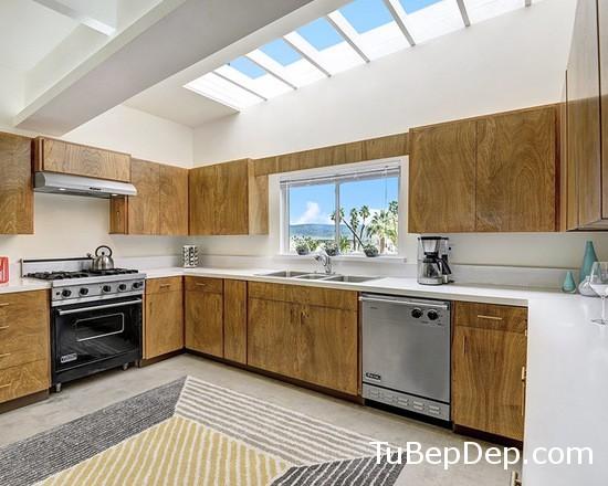 2a51c40308e71601_1987-w550-h440-b0-p0--midcentury-kitchen